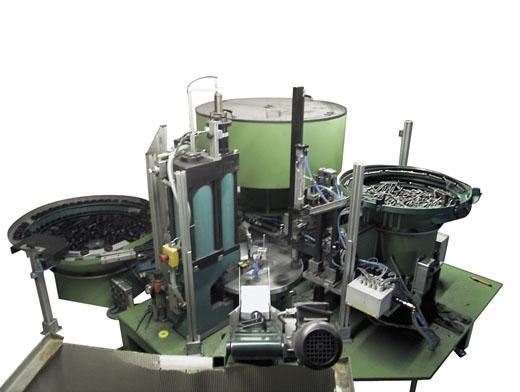 Montage- und Verpackungsmaschine